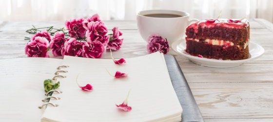 Ciasto, kawa i książka