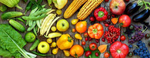 Owoce i warzywa w różnych kolorach