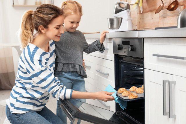 Mądra mama – jak kształtować w dzieciach zdrowe podejście do słodyczy?
