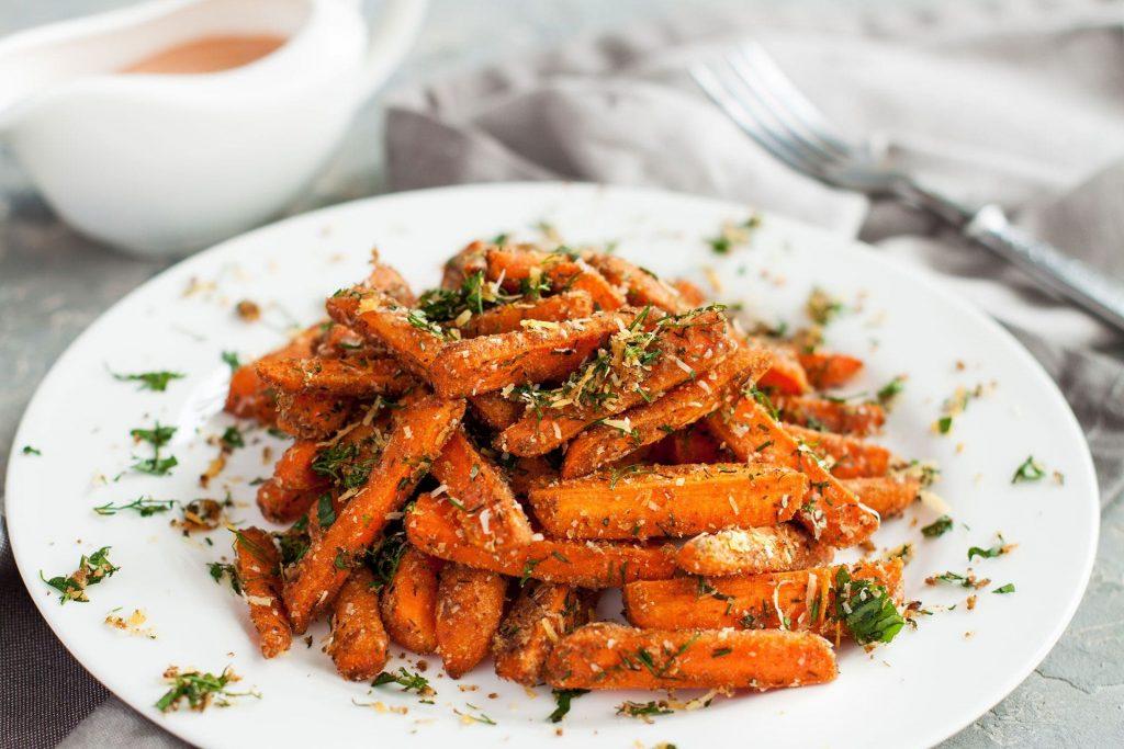 Karmelizowana marchewka – idealna do obiadu