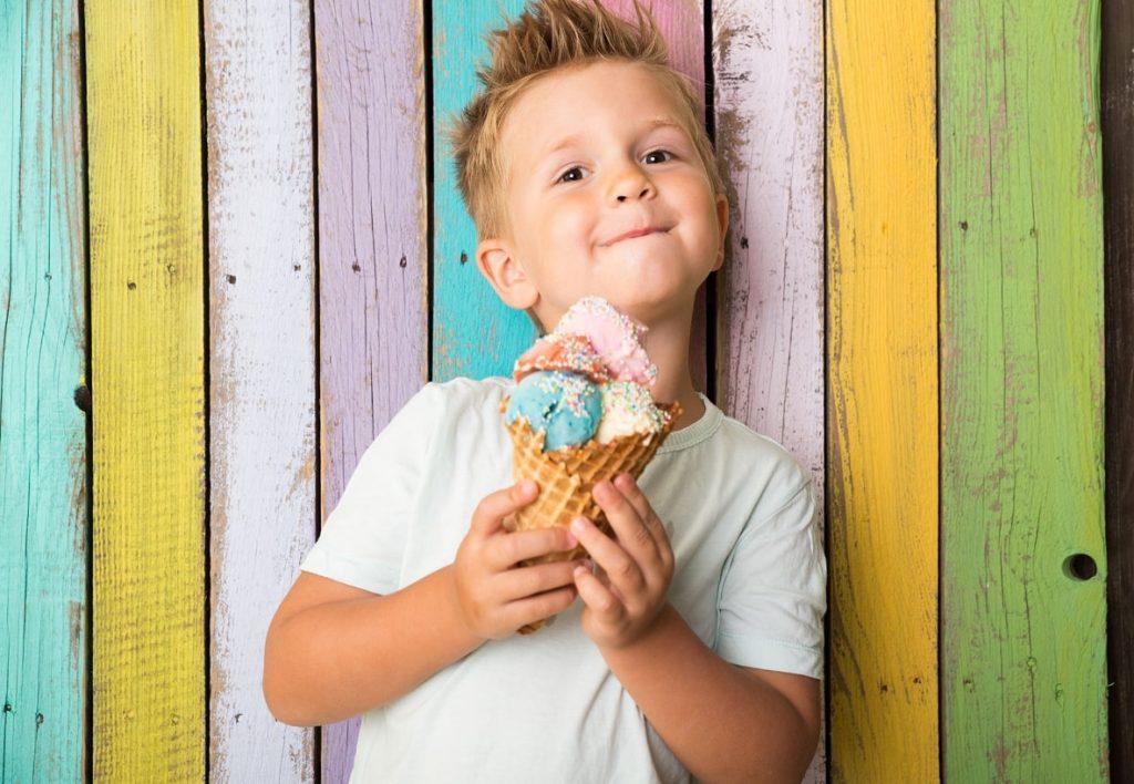 Dzień Dziecka 2020: Jakich prezentów dzieci pragną najbardziej? Radość dzieci kontra wybory rodziców