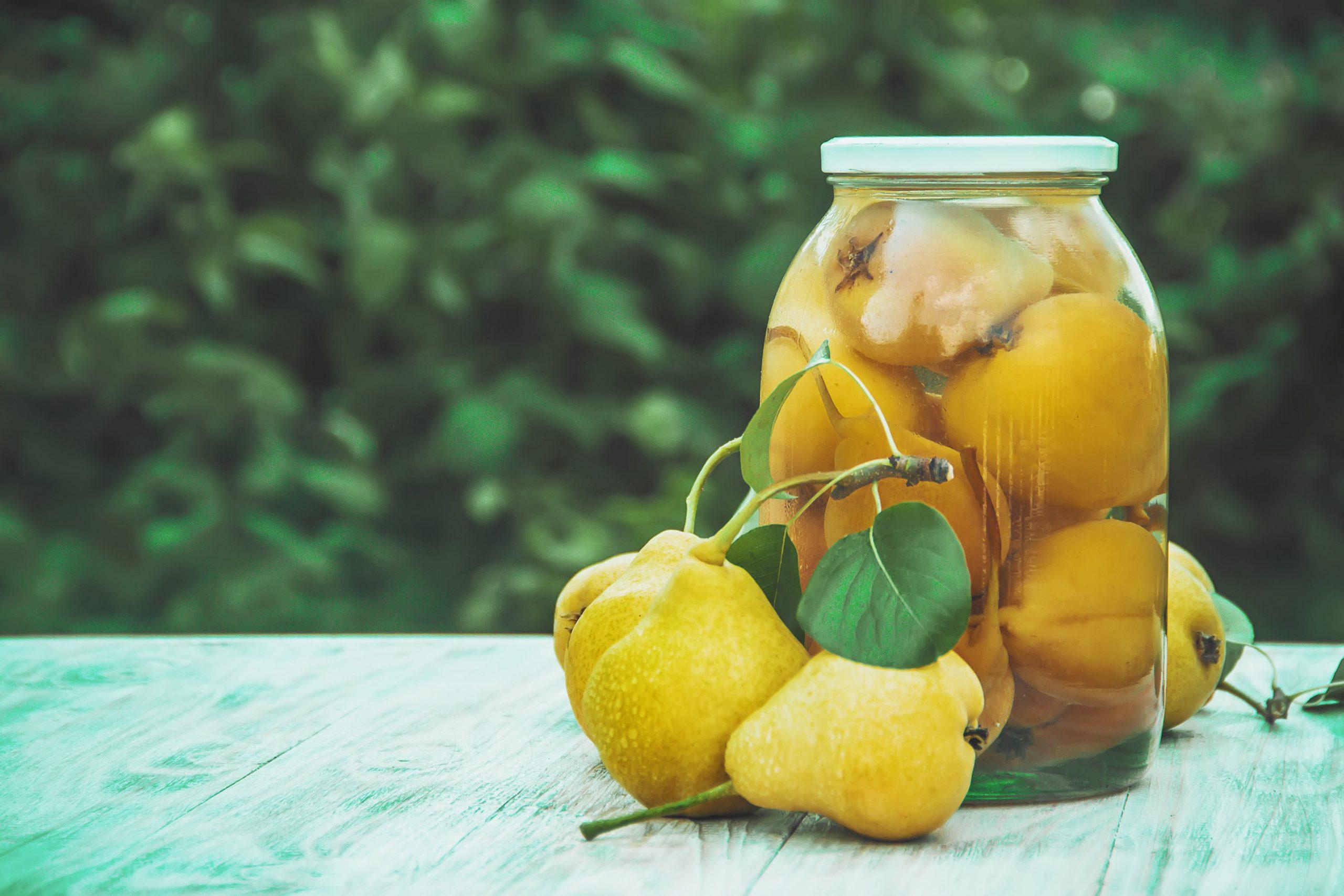 Przepis na domowe gruszki w syropie cukrowym