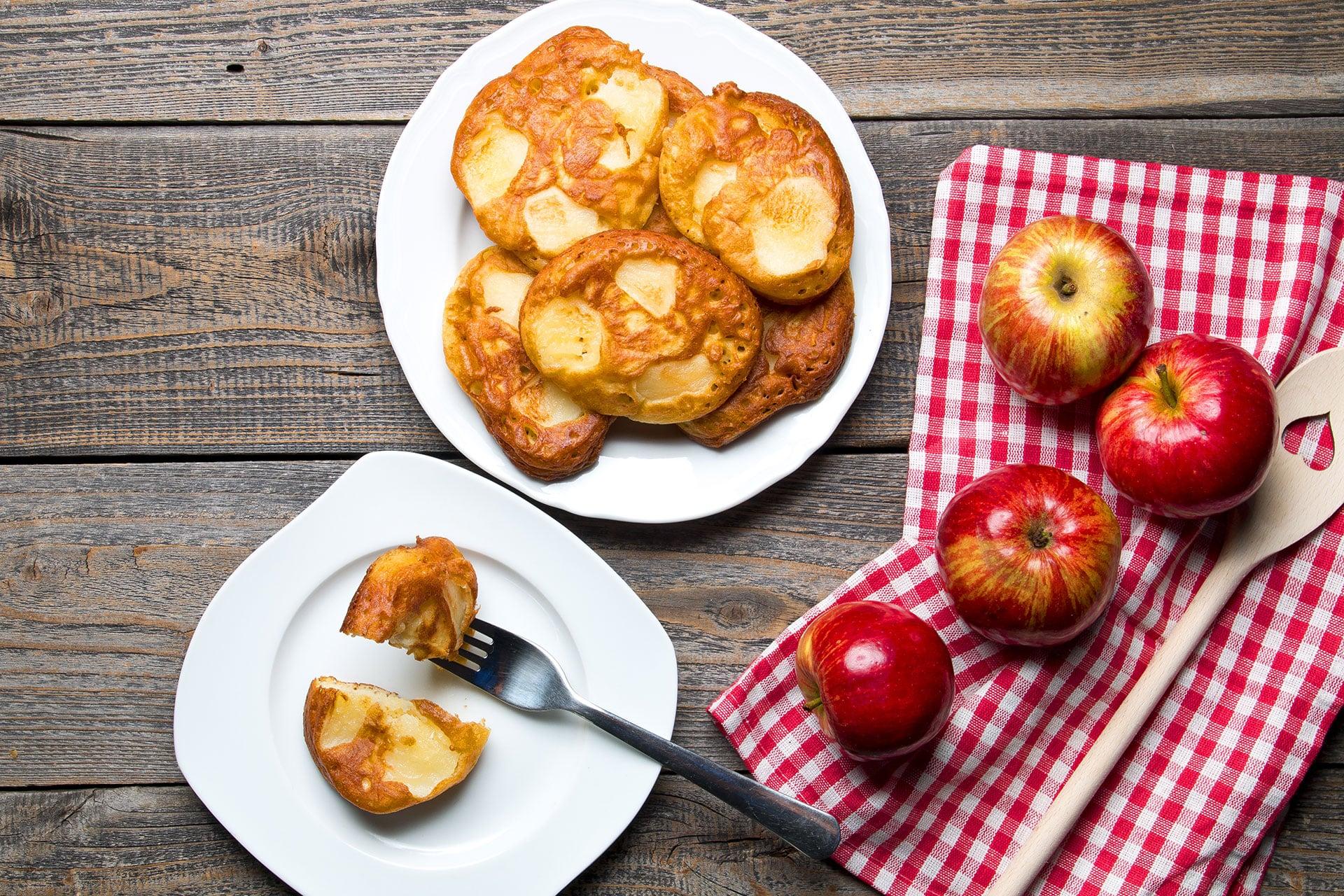 Racuchy z jabłkami - jak zrobić pyszne racuchy w domu?
