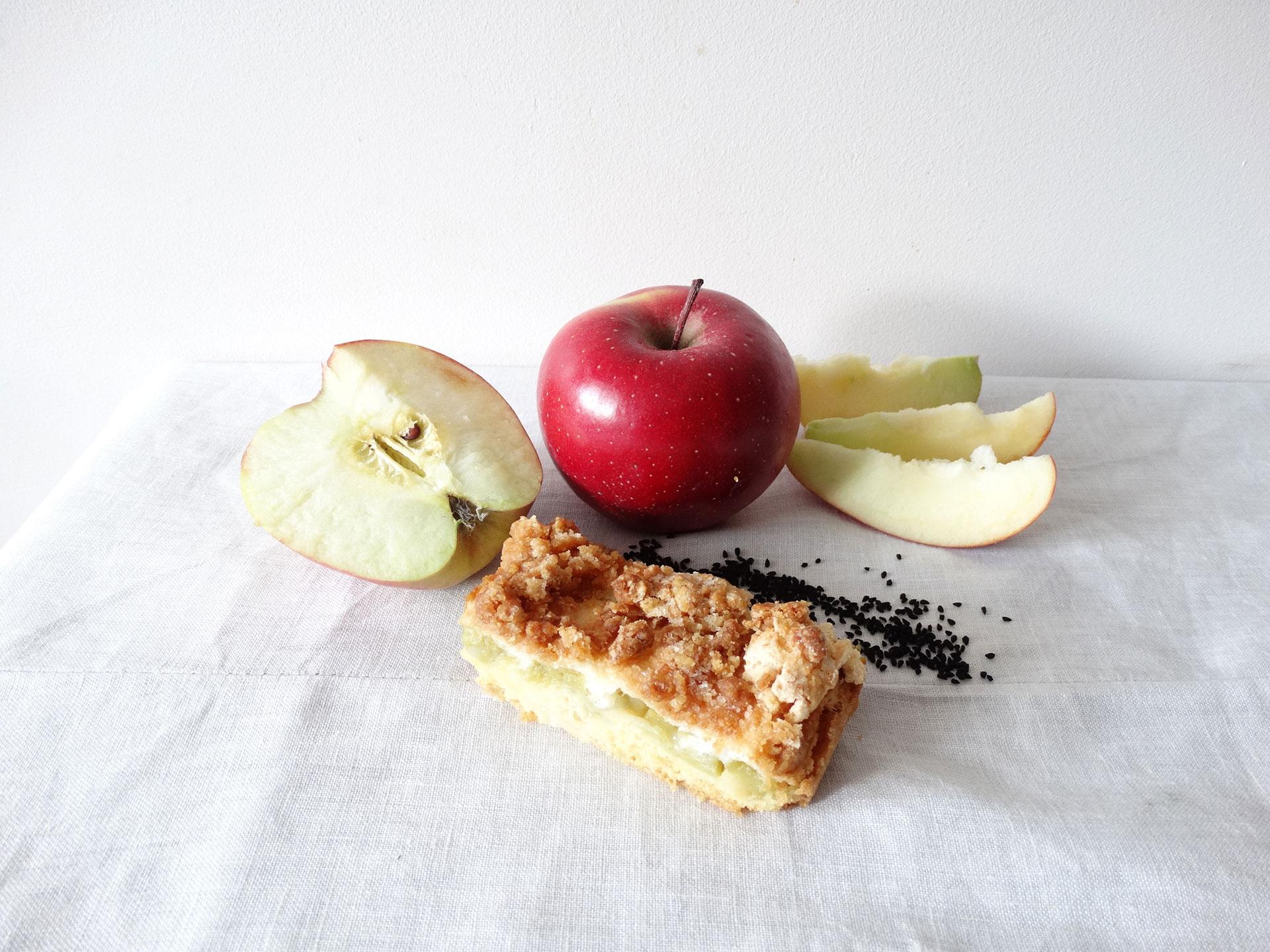 Najlepsze jabłka na pyszną szarlotkę - jakie wybrać?